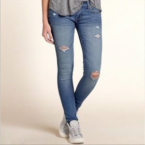 Hollister Distressed Skinny Jean